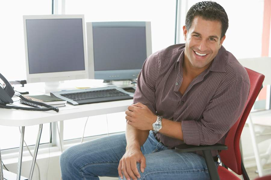 How To Prevent Back Pain At Your Desk Job Tips from Your Physical Therapy Clinic